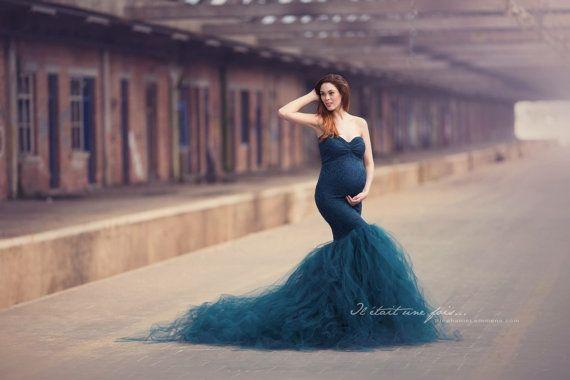 Seit 2013 macht Mii-Estilo handgefertigte Kleider vor allem für Fotografie. Unsere Fabrik wird um das Ergebnis zu erreichen, dem Sie von Träumen luxuriösen Stoff verwendet. Was jeweils unsere Kleider so schön und einzigartig macht, ist unsere Leidenschaft. Sie werden sicherlich in der Lage, Sie machen Baby stoßen Sitzung einen unvergesslichen Augenblick.  ---  NÜTZLICHE INFORMATIONEN FÜR SIE:  -Wissen Sie nicht, was unter Verwenden? Vergessen Sie nicht, unsere…