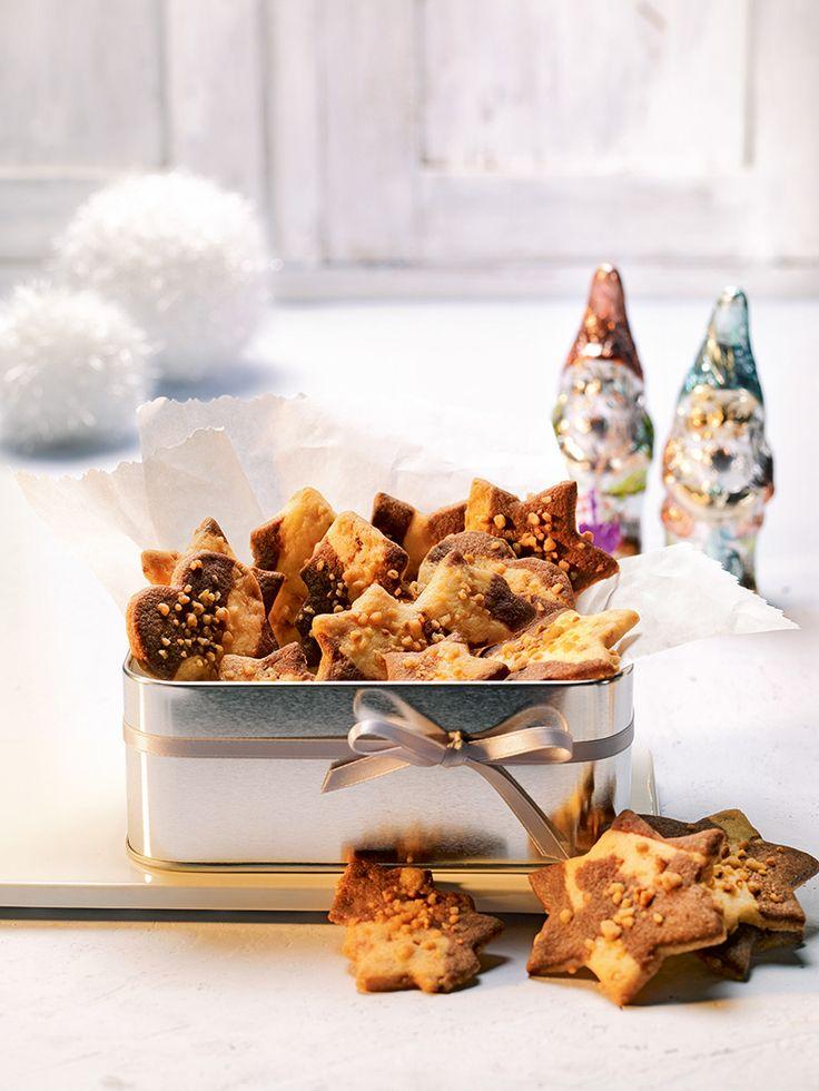 Knusprige Plätzchen mit Haselnusskrokant zu Weihnachten