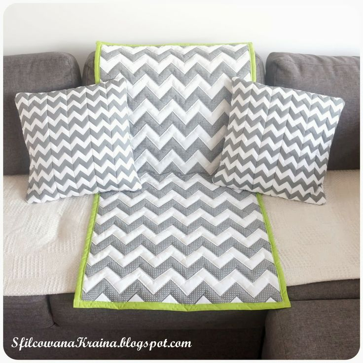 Chevron quilt and pillows