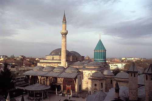 Shrine of Rumi, Konya: Situated at an altitude of 1016 meters in the south central region of the vast Anatolian steppe, the city of Konya is famous far beyond the borders of Turkey.