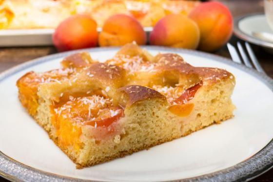 Zdravá chuť léta – meruňkovo kefírová bublanina | Vím, co jím