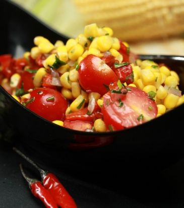 Σαλάτα με καλαμπόκι και ψητές πιπεριές | Γιάννης Λουκάκος