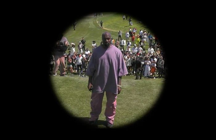 Kanye West Debuts New Song Water At Coachella Sunday Service Coachella Coachella Valley Music And Arts Festival Kanye West