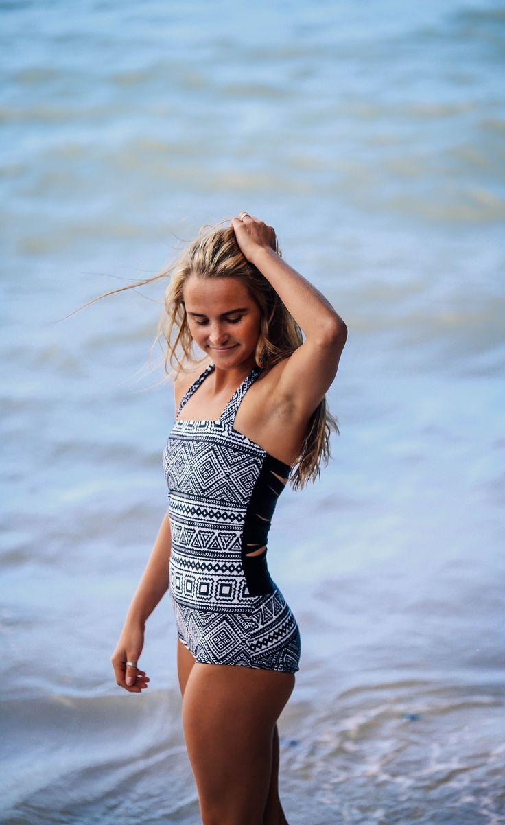 Slice'n'Swim. One Piece. Modest swimsuit. Vintage swimwear. Retro bathing suit. Beverly Swimwear.