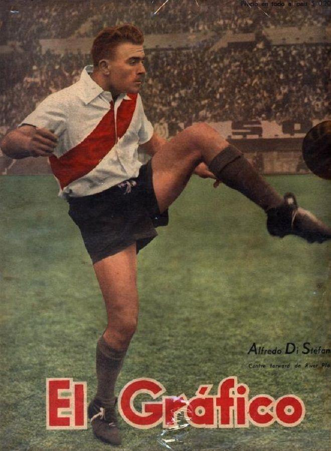 """Poster de la Revista """"El Gráfico"""" de Alfredo Di Stefano, enfundado con el uniforme de el Club Atlético River Plate."""