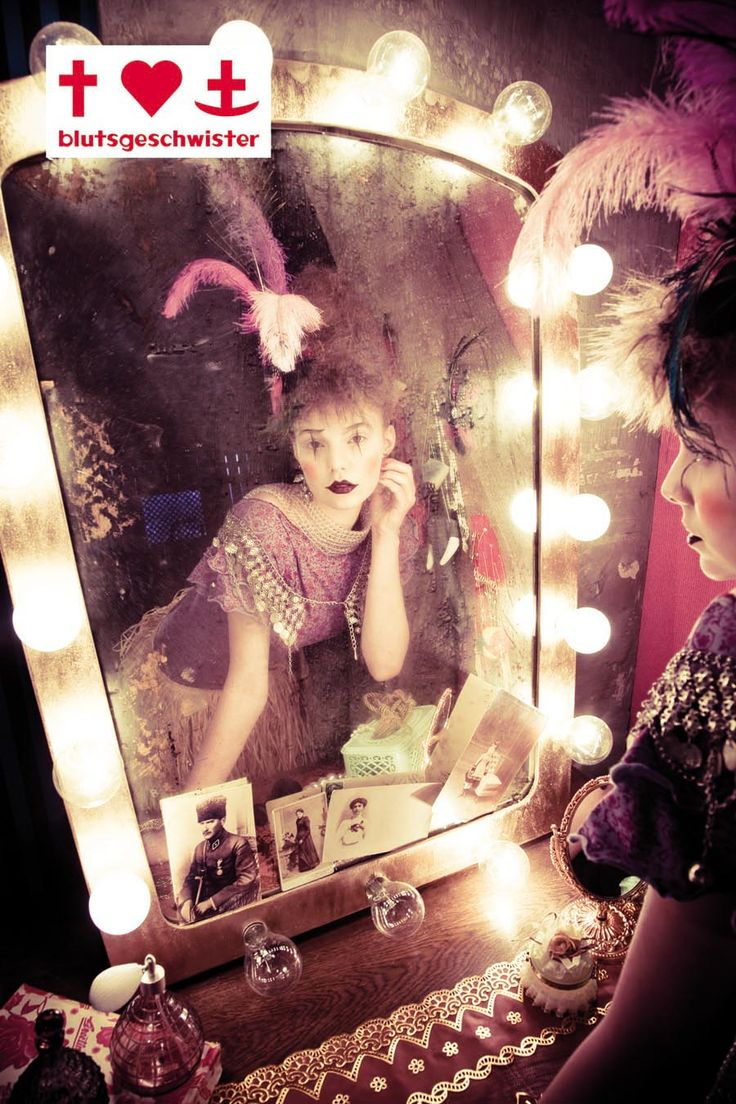 I would love to have a mirror just like this.  Circus Circus | Mara Hochmeier | Lupi Spuma #photography | BLUTSGESCHWISTER FW11/12
