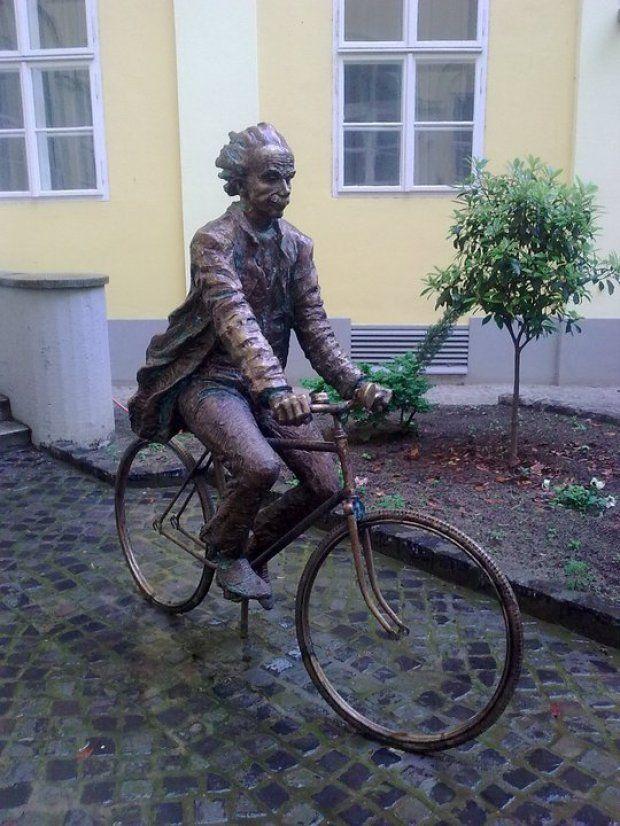 Szeged, Hungary (A bicikliző Einstein)
