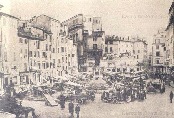 Mercato delle erbe a Campo de' Fiori Anno: 1890