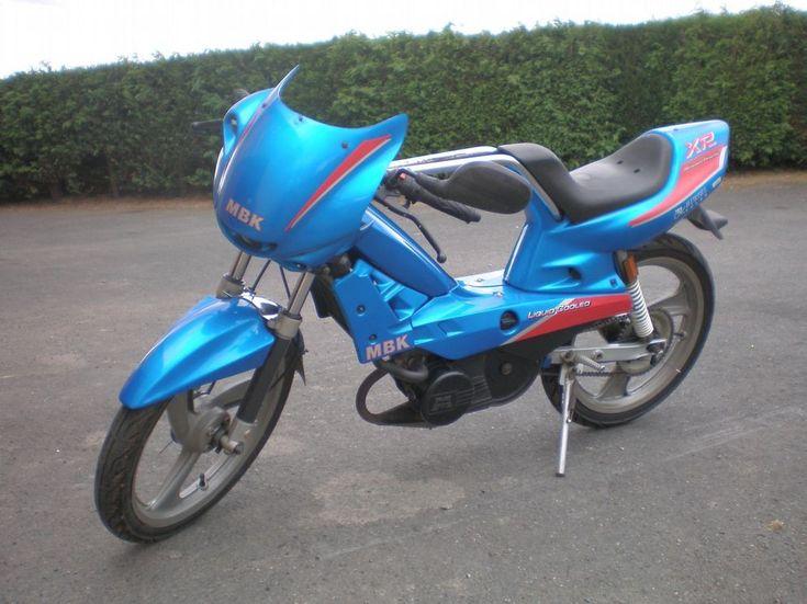 Magnum Racing XR LC bleue