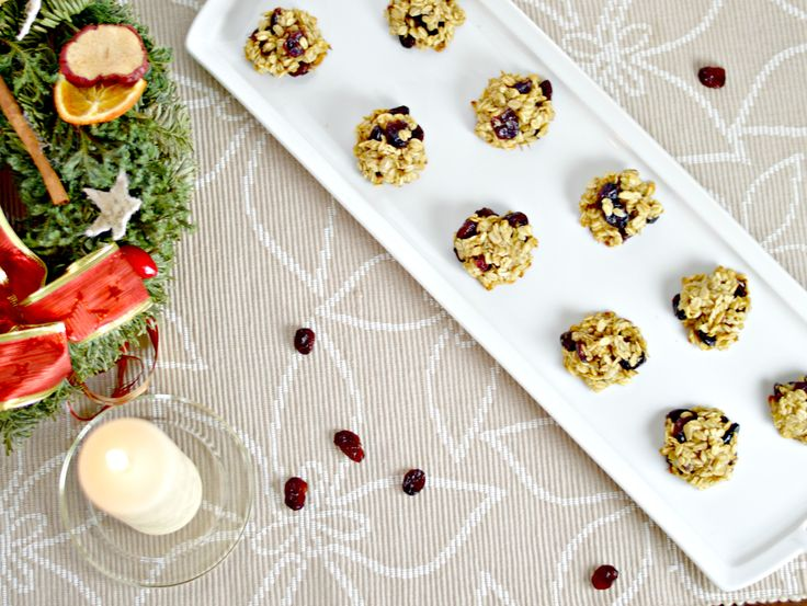 Cranberry Oatmeal Cookies | WIN-WINFOOD.com Chewy on the inside with crispy edges, these versatile Cranberry Oatmeal Cookies are perfect for your last minute healthy Christmas baking. #vegan #glutenfree #lowfat #cleaneating