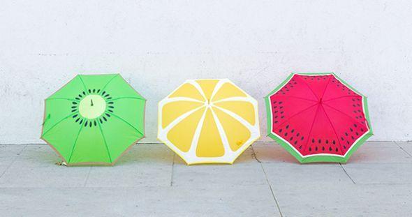 Logo o verão estará a todo vapor e com ele as chuvas de verão. E neste ano para você se proteger com muito estilo basta personalizar guarda-chuva liso.