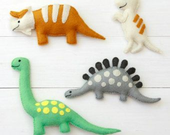 Fieltro dinosaurio juguetes - dinosaurios - Triceratops, T-Rex, Stegosaurus, Brontosaurus sentía cuatro peluche hecho a mano