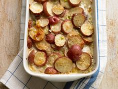 Creamy Scalloped Potatoes  http://www.prevention.com/food/cook/easy-slow-cooker-recipes/creamy-scalloped-potatoes