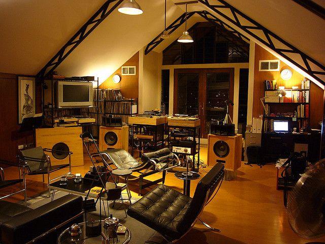 Hi-Fi Lounge via:   corrado fontanesi via Edward Cola onto Audiophilia: Horns Tubes etc.