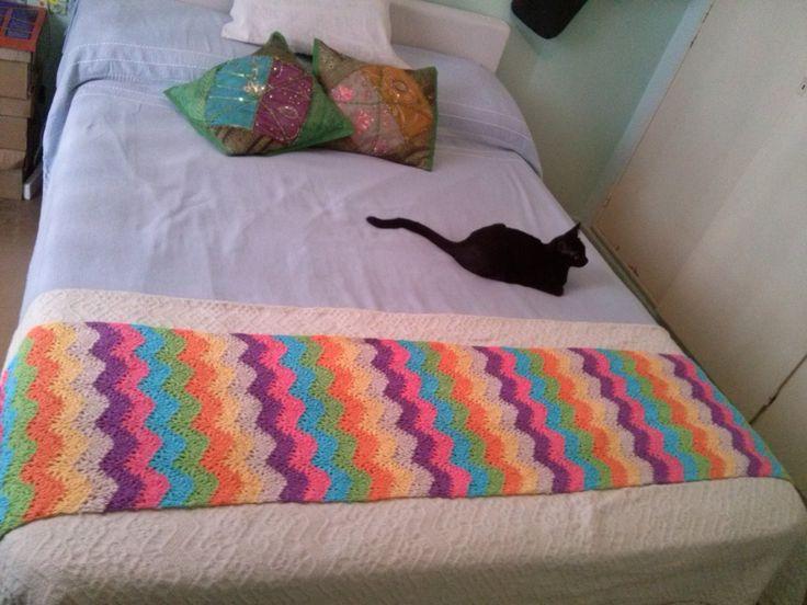 Pie de cama tejido a crochet.