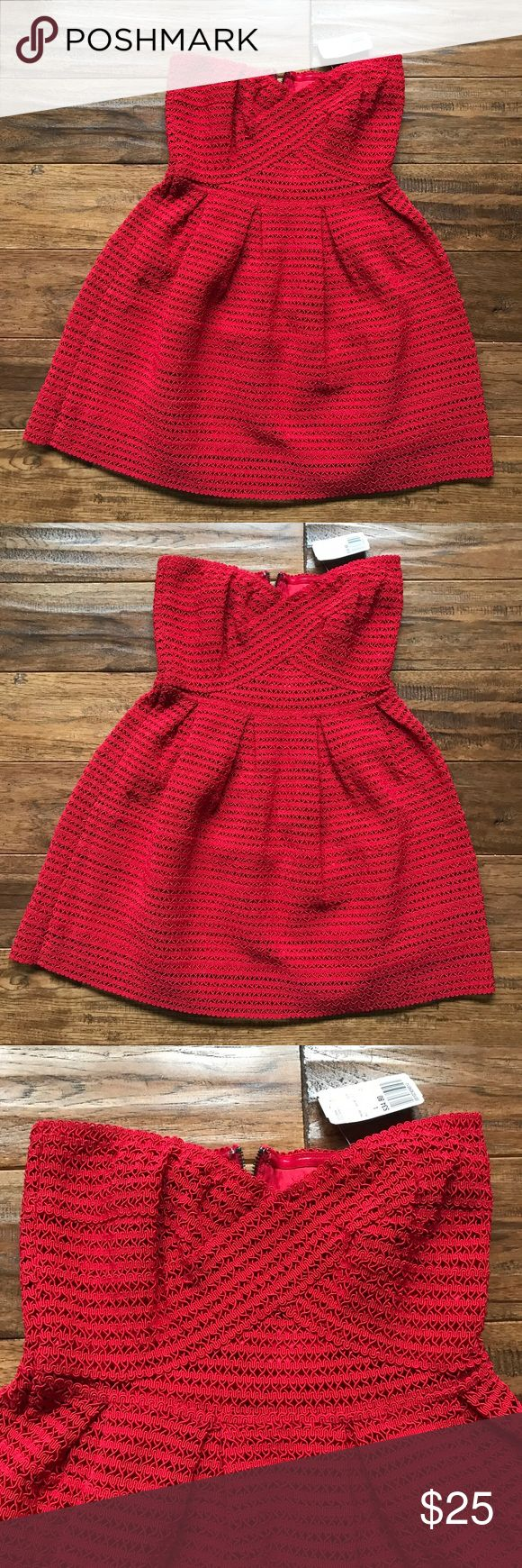 🆕🆕Forever 21 Strapless Red Dress 🔥🔥 NWT Forever 21 Strapless Red Dress💃💃.                                 🛑🛑PLEASE BE AWARE THIS DRESS IS VERY SHORT. WOULD NOT SUGGEST TO TALLER SHOPPERS Forever 21 Dresses Strapless