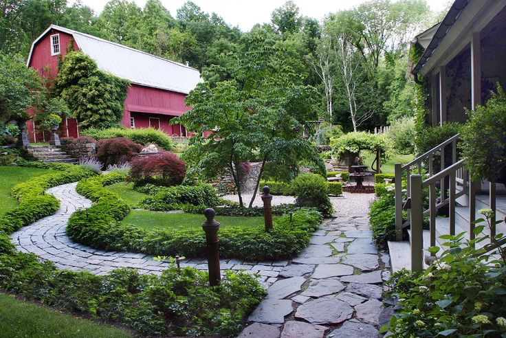 pachysandra Landscape Farmhouse with curved walkway barn