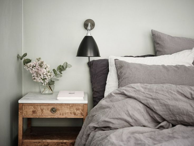 awesome 67 Minimalist Bedside Table Lamps Ideas to Makes Your Room Cozier  http://about-ruth.com/2017/09/29/67-minimalist-bedside-table-lamps-ideas-makes-room-cozier/