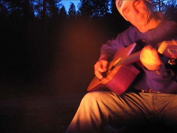 """The 50 Greatest Campfire Songs Of All Time (in their """"coolest"""" versions to download)."""