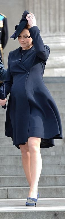 Who made  Kate Middleton's blue coat, clutch handbag, and suede pumps?