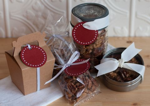 Sweet and spicy maple roasted walnuts | Christmas ideas | Pinterest