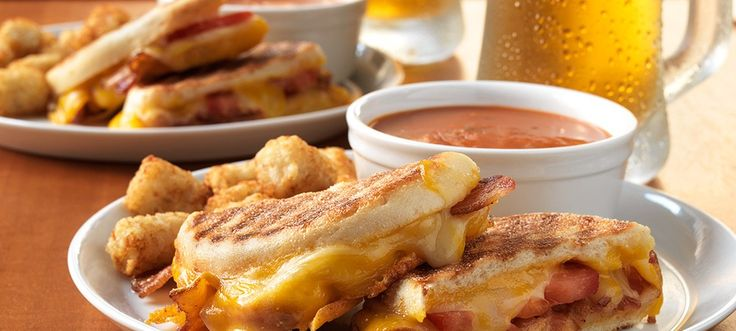 These Bacon and Egg Grilled Cheese Breakfast Sandwiches from Serena ...