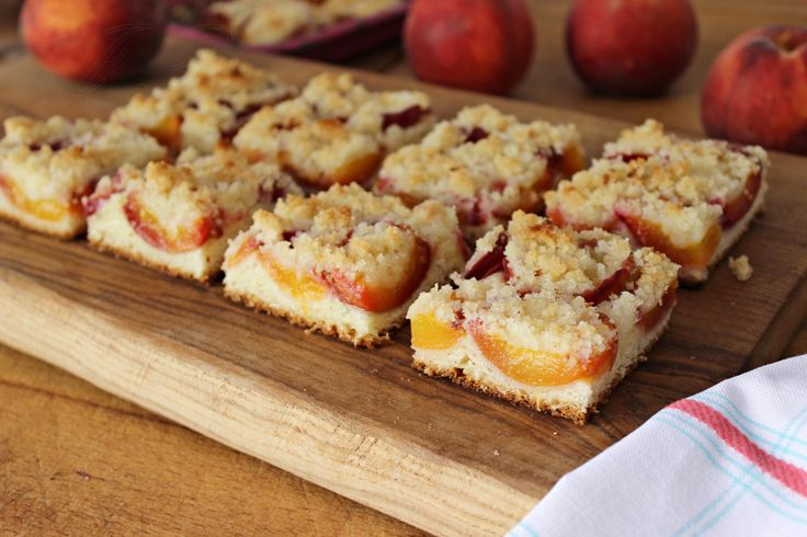 Tarta de melocoton y crumble :: Kynutý koláč s broskvemi a drobenkou