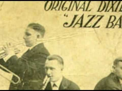 Music for Solo Jazz practice:  Original Dixieland Jazz Band - Jazz me Blues (1921)