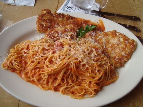 Cheesecake Factory's Crusted Chicken Romano. Delicious.: Chicken Romano, Food Yummm, Parmesan Crusts Chicken, Chicken Parmesan, Cheesecake Factories, Parmesan Crusted Chicken, Chicken Spaghetti, Favorite Meals Of, Food Drinks