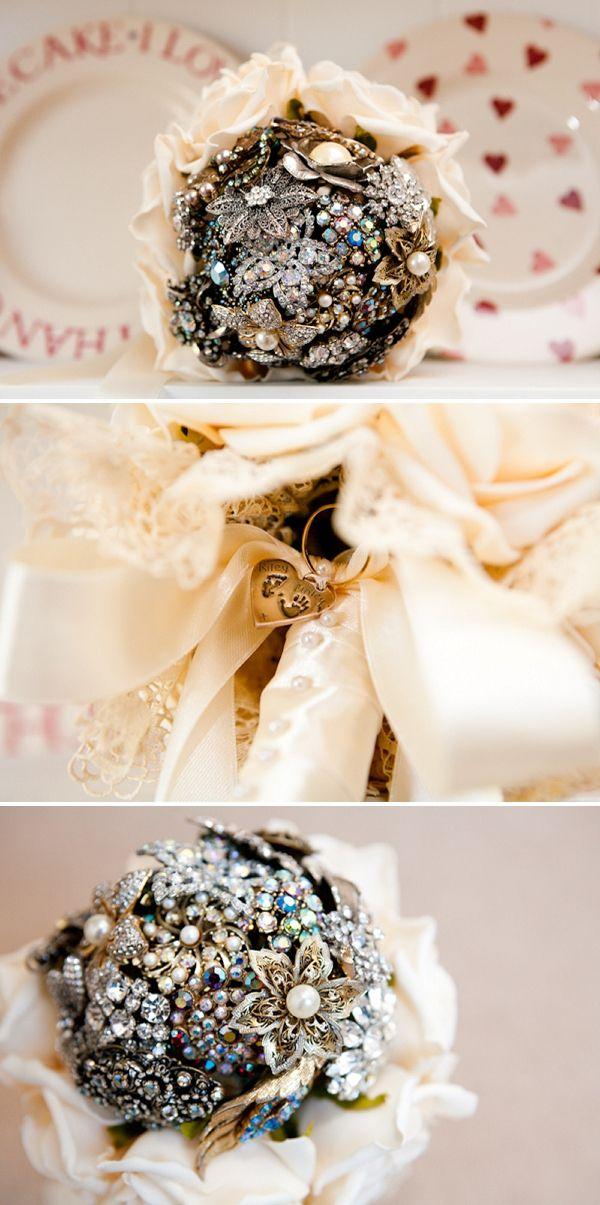 broach/brooch bouquetBrooch Bouquets, Crafts Ideas, Broach Bouquets Lov, Broach Brooches Bouquets, Photography