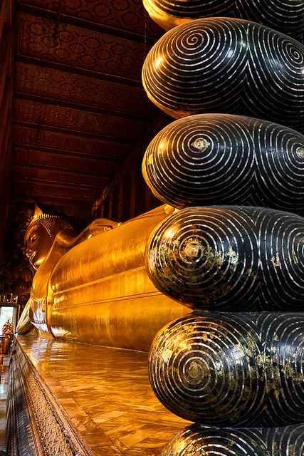 Reclining Buddha, Bangkok, Thailand. One of the things that is more impressive in the flesh than photos portray #awesome