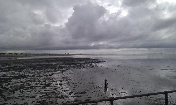Seascape. Southend, UK. Photograph by Wayne Visser. Copyright 2012.