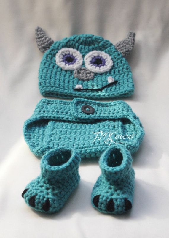 Crochet Monsters Inc. Sully Hat and Diaper Cover Set. Sizes 0-3 months and 3-6 months. Baby photo prop.