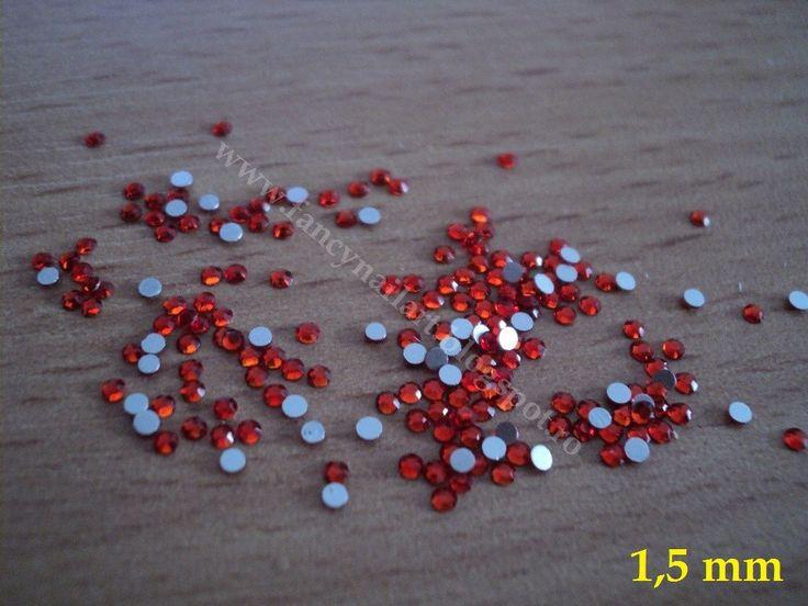 Set 100 cristale tip Swarovski rosu siam 1,5mm Pret: 5 lei/set www.fancynailart.blogspot.ro