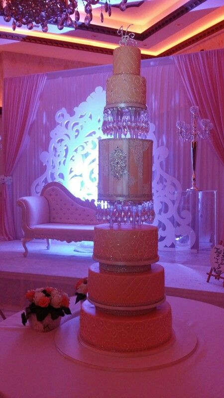 Fantastic  7 tier peach  bling wedding cake made by keekjes