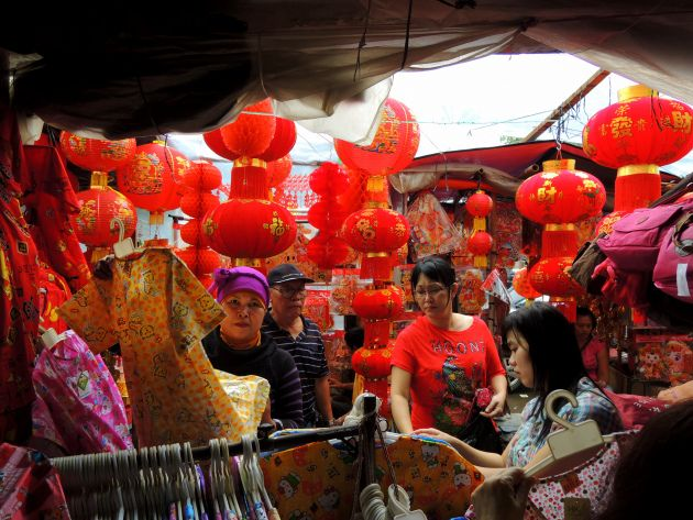 Perayaan Tahun Baru China tahun ini yang dilambangkan sebagai Tahun Kuda menurut perhitungan zodiak China (shio) diliputi oleh nuansa basah dan hujan deras di bulan Januari. Namun hal tersebut tidak menghalangi semangat menyambut Imlek.
