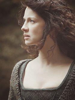 """Caitriona Balfe - """"Outlander"""" (2014) - Costume designer : Terry Dresbach"""