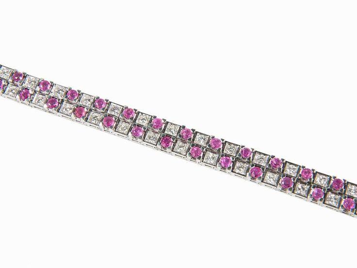 Armband mit 44 Rubinen und 44 Diamanten, 18K Weißgold 18 Karat WeißgoldEuropa, 20. JahrhundertPunz