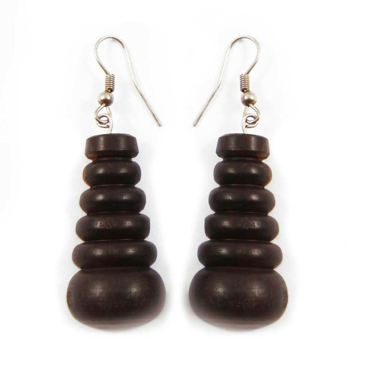 This is a beautiful Wooden dangle earring set. It is very fashionable jewelry. ..this is img