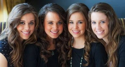 Fans express concern and support for Duggar daughters on Twitter: 'Run away and be free!'