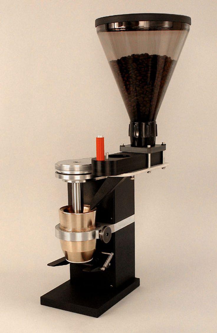 Für die Zubereitung von wirklichgutem Kaffee ist nicht nur die Wahl der richtigen Bohnen eine Wissenschaft und die Existenz einer hervorragenden Maschine elementar, auch die passende Kaffeemühle g...