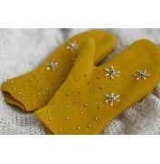 Przepiękne, ręcznie wykonane rękawiczki w kolorze miodu, wyszywane koralikami, stylowe i urocze