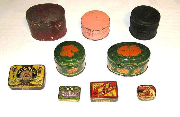 Online veilinghuis Catawiki: Een collectie van negen kleine doosjes  -  19e eeuw en vóór 1930