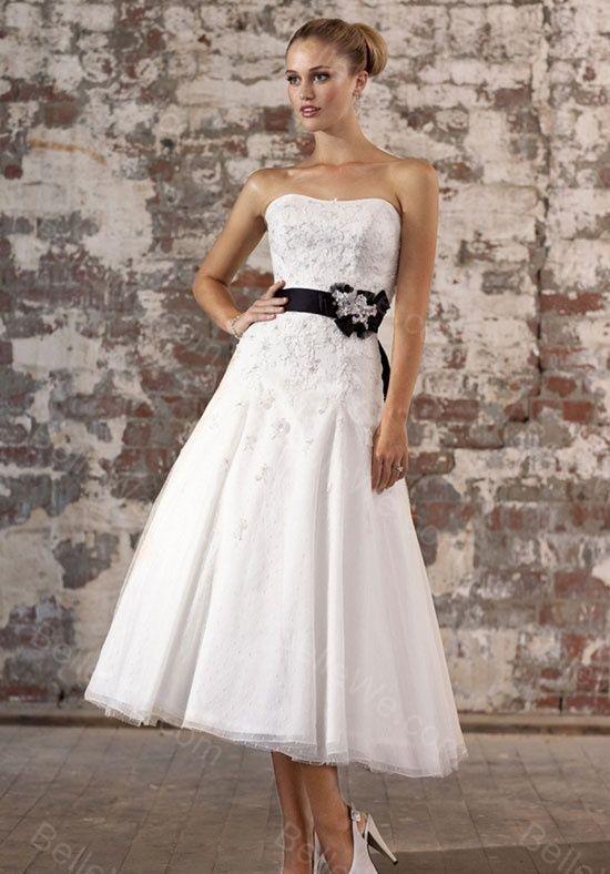 ... de Robe de mariée noir et blanche sur Pinterest  Gothique, Robes de