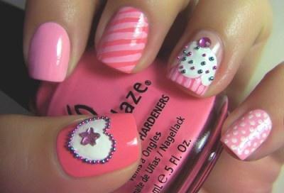 cupcake and random pink fingernail designs my-style