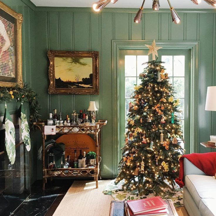 Christmas Decorations For Victorian Homes: 3092 Best Images About Christmas Houses On Pinterest