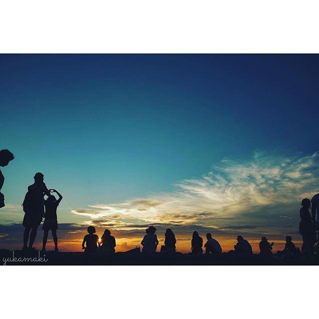 【yuca.maki】さんのInstagramをピンしています。 《2016.0914 過去が現在に影響を与えるように 未来も現在に影響を与える。 【ニーチェ】 #朝日#海#名言#言葉#グラデーション#成長#海賊王#歌詞#歌#1日#雲#空#冒険#旅#仲間#影#夕焼け#夕陽#朝#沖縄#感動#影#カコソラ#イマソラ#海外#外国#ルフィー#夢#シルエット#世界一周#ニーチェ》