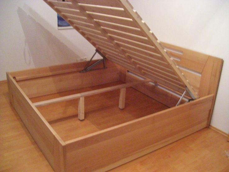 postel z masivu Meryl s vyklopnym uloznym rostem