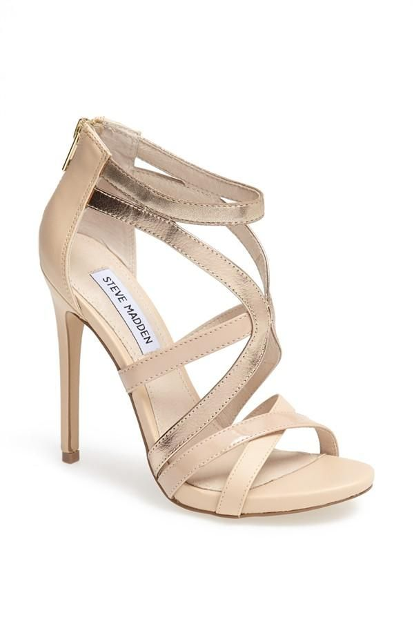 Gorgeous sandals to pair with a midi skirt.