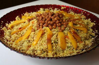 """Adoro il couscous, lo avrete notato! ^_^ Con il profumo che sprigiona e con i suoi colori vivaci, stuzzica gli appetiti, anche i più """"as..."""